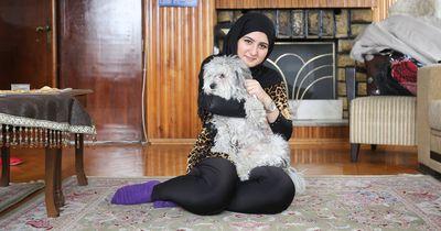 Ein Brief änderte das Leben eines Flüchtlings und ihres Hundes