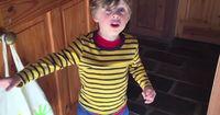 """Plötzlich schrie sein Sohn: """"Daddy, daddy! Komm schnell! Da ist etwas im Wohnzimmer!"""""""