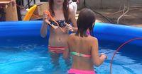 Schock für alle Eltern: Schaut euch an, was mit diesen Kindern im Pool schwimmt!