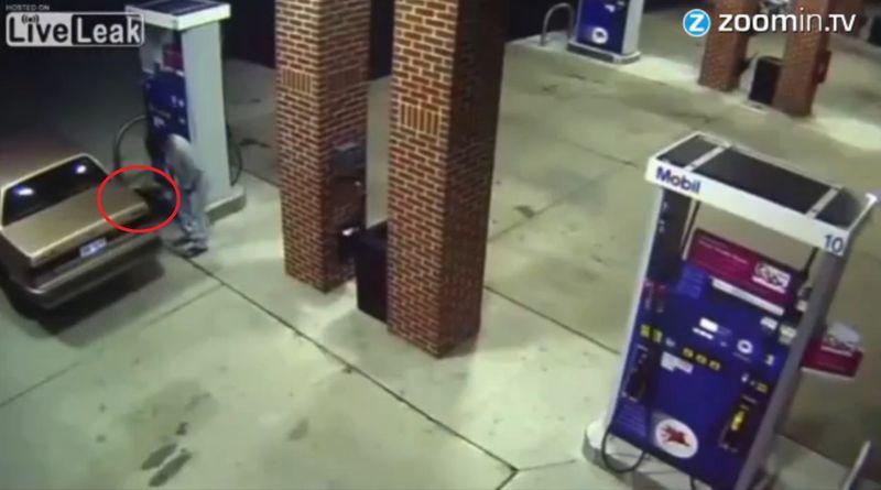 Das passiert, wenn ein Spinnenphobiker an der Tankstelle auf eine Spinne trifft