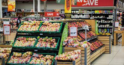 Unglaublicher Fund vor Supermarkt